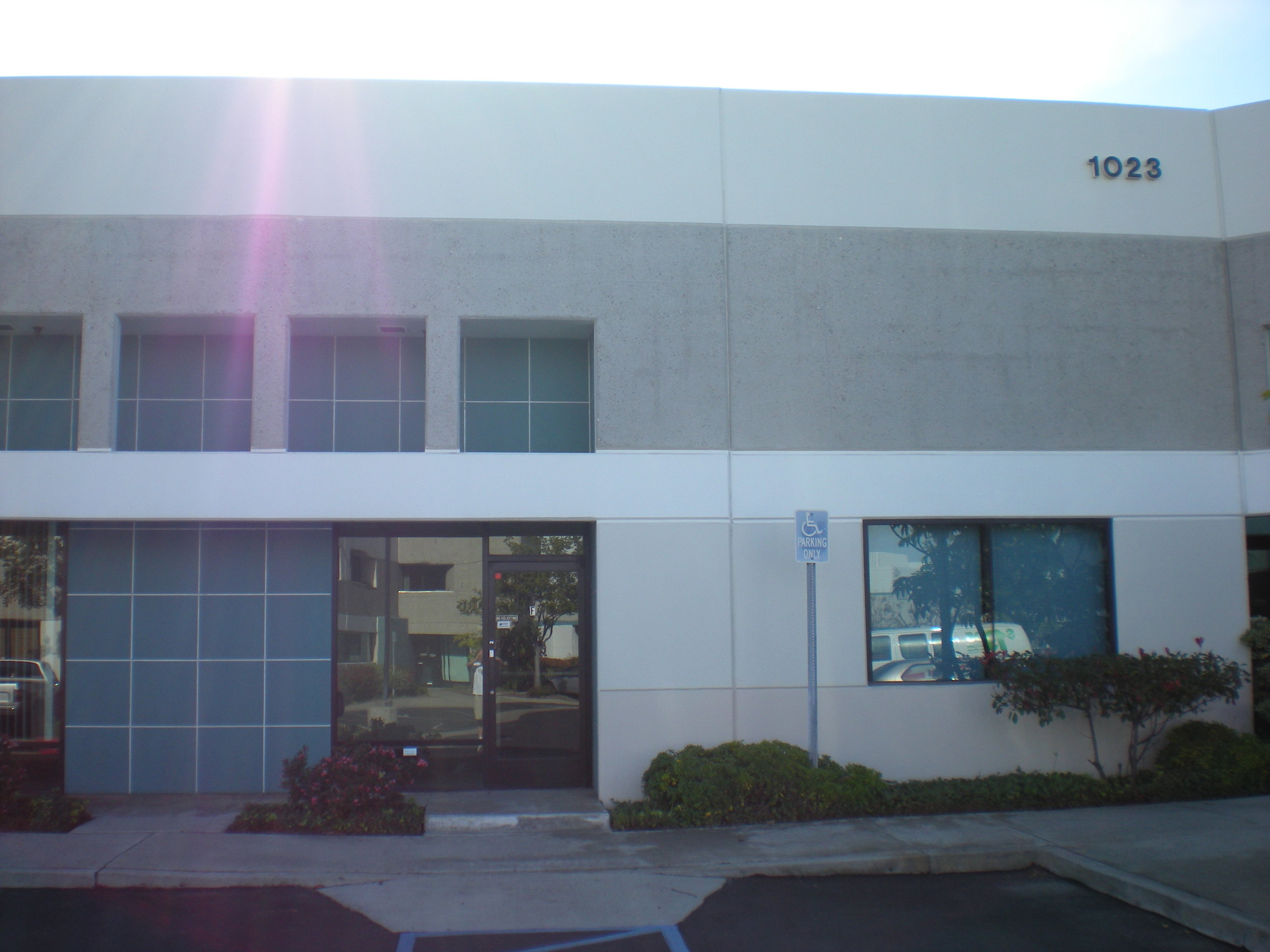High-Clearance Industrial Condo For Lease