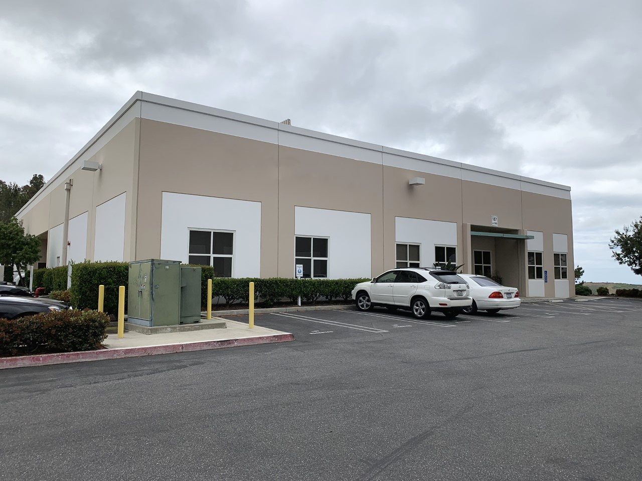 187 Avenida La Pata • San Clemente • 7,144sf Industrial Building • 6,644sf Office • 500sf Warehouse • For Sale