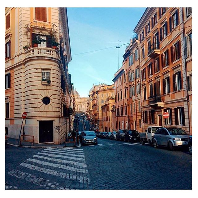 Walking through the streets 👣  Ph. @alessioattanasi  #roma #rome #rionemonti #italy #streets #streetsofrome #landscape #streetsphotography #travelphotography #urbanphotography #urban_shots #discovery_landscapes #amazingplaces #placetovisit #placetostay #roma_bestphoto #italyontour #scorci_italiani #bestplacetogo #artstopmonti #cityscape #cityphotography #explorerome #capturelandscapes #travelguide #architecture #architecturephotography #architecture_best