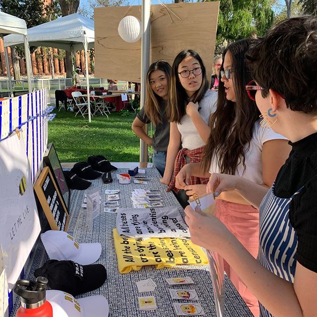 We had so much fun at @uscfemfest  last weekend! V impressed by the smart, engaged, and sweet team of students who made it happen. Thanks for the invite! 💛 #lasmallbusiness #uscfemfest #savethebees
