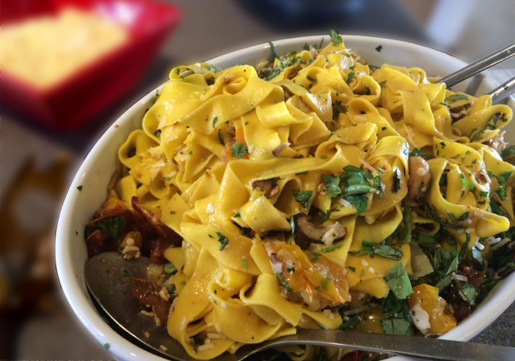 saffron.pasta.mushroom.jpg