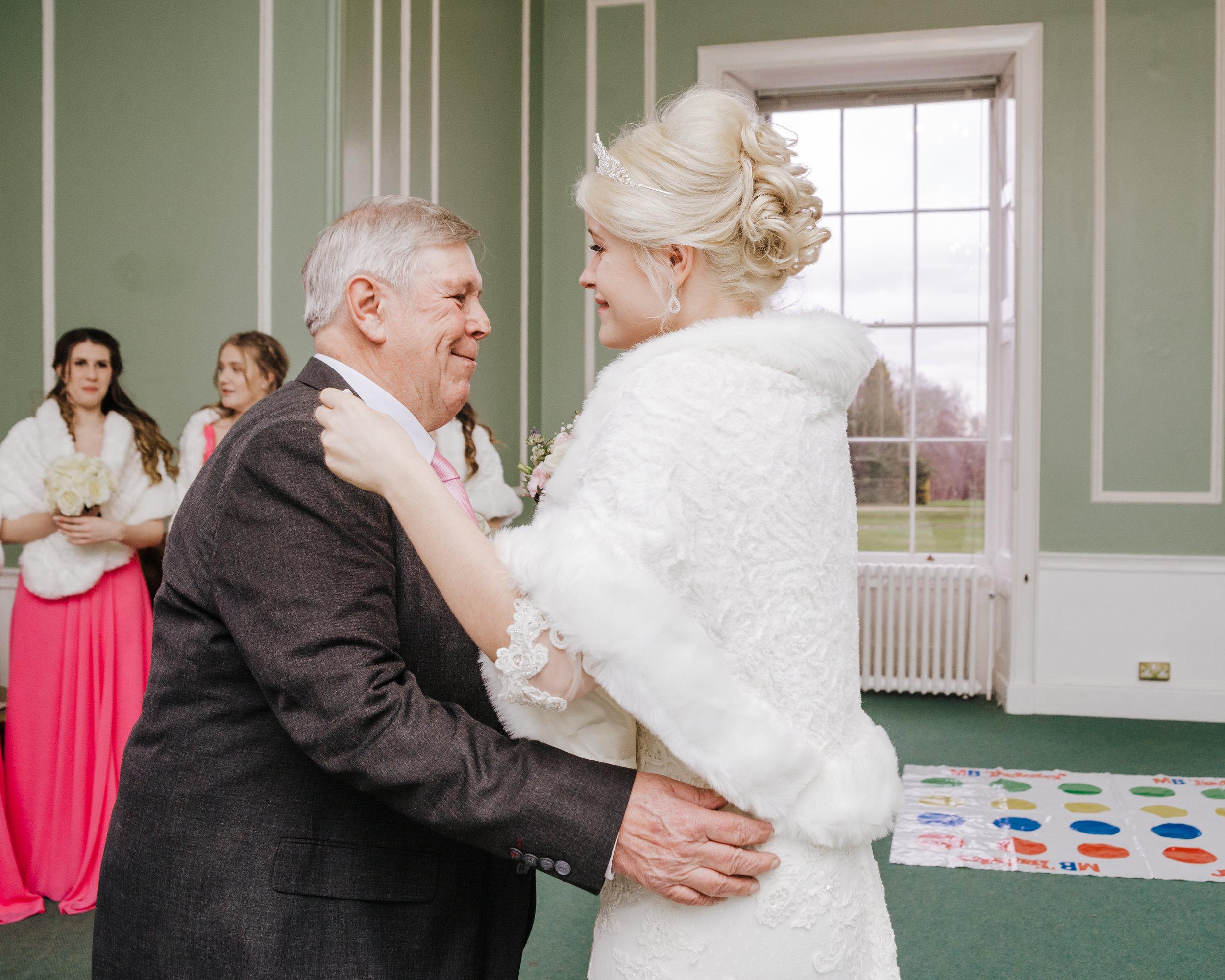 Woolverstone_Hall_Suffolk_Wedding_photography (34).jpg