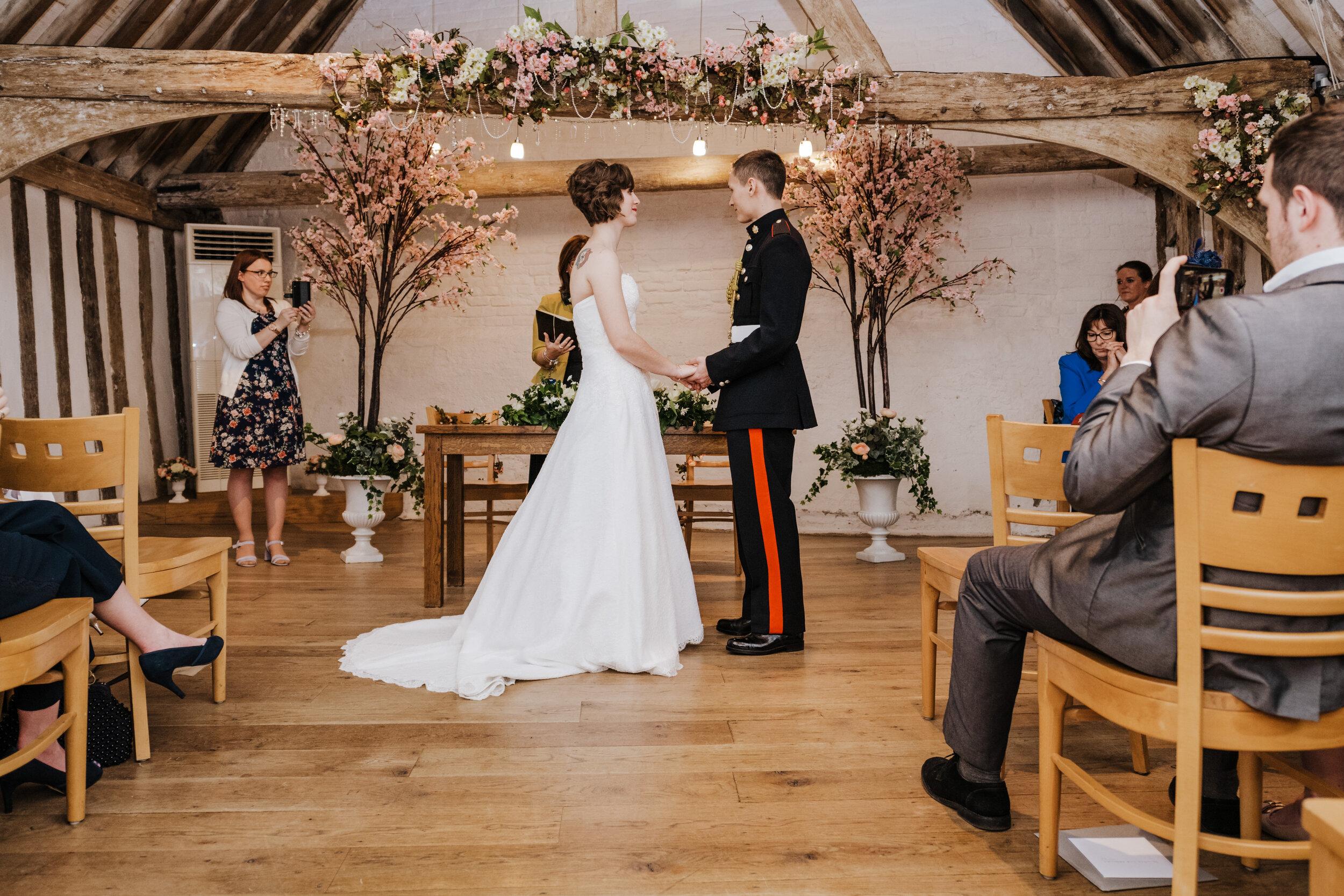 SUFFOLK_WEDDING_PHOTOGRAPHY_ISAACS_WEDDING_VENUE_WEDDINGPHOTOGRAPHERNEARME_iPSWICHWEDDINGPHOTOGRAPHER (41).jpg
