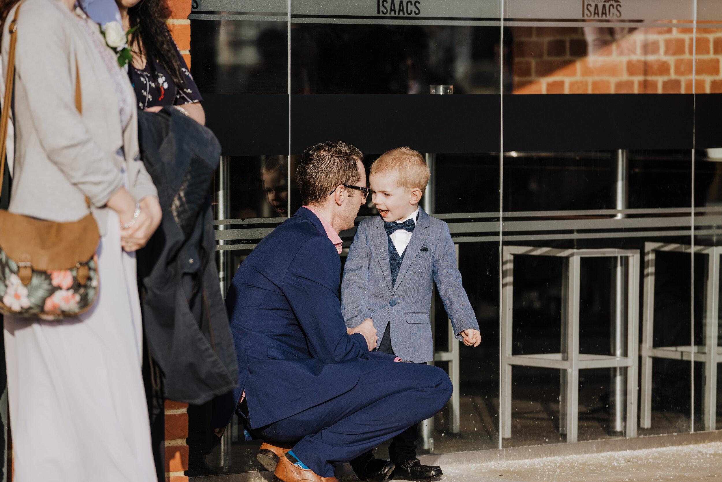 SUFFOLK_WEDDING_PHOTOGRAPHY_ISAACS_WEDDING_VENUE_WEDDINGPHOTOGRAPHERNEARME_iPSWICHWEDDINGPHOTOGRAPHER (49).jpg