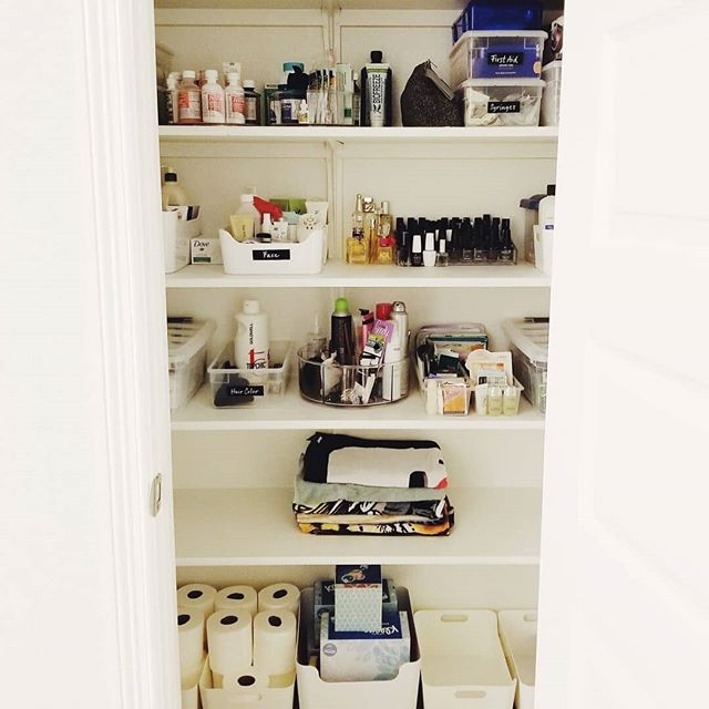 ✨ Bathroom closet before & after (swipe to see!) ✨ This spacious closet was being used for an assortment of items: first aid/medications, extra bath and body products, towels, and paper products. We made this space more functional by sorting items into categories, giving each shelf a purpose, and using proper bins with clear labels. There's even room to grow! 😍 ⠀ .⠀ #bathroomorganization #closetorganization #storageideas #storagetips #organizing #organization #homeorganizing #homeorganization #getorganized #thingsorganizedneatly #organizedliving #clutterfree #professionalorganizers #austinorganizer #moxiespace