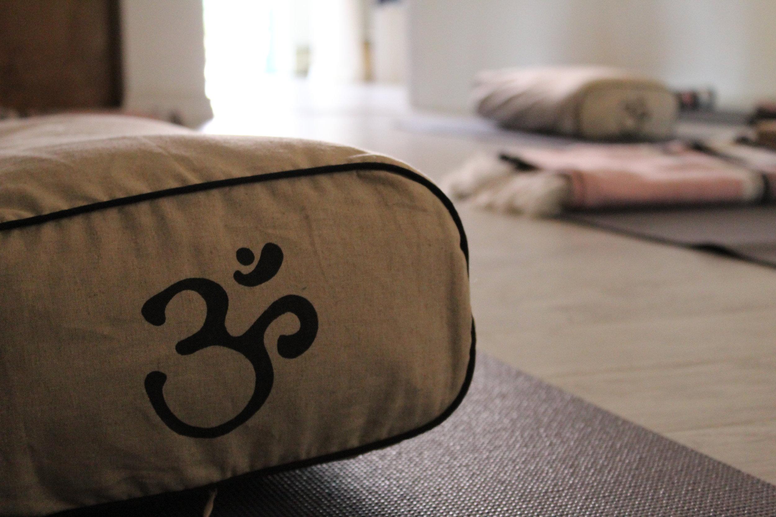 yoga, coffee massagein lasalle