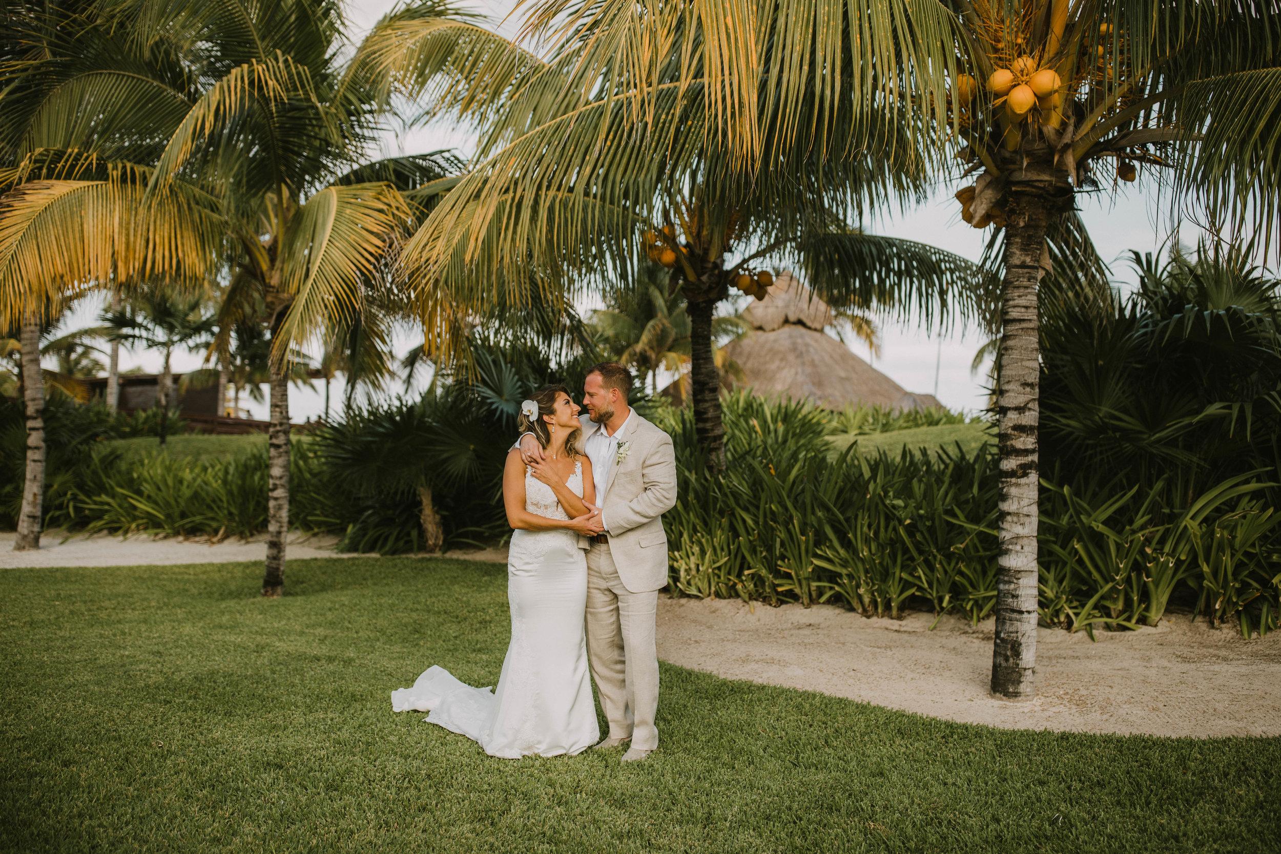 E&J-Destination Wedding Photographer Videographer-460.jpg