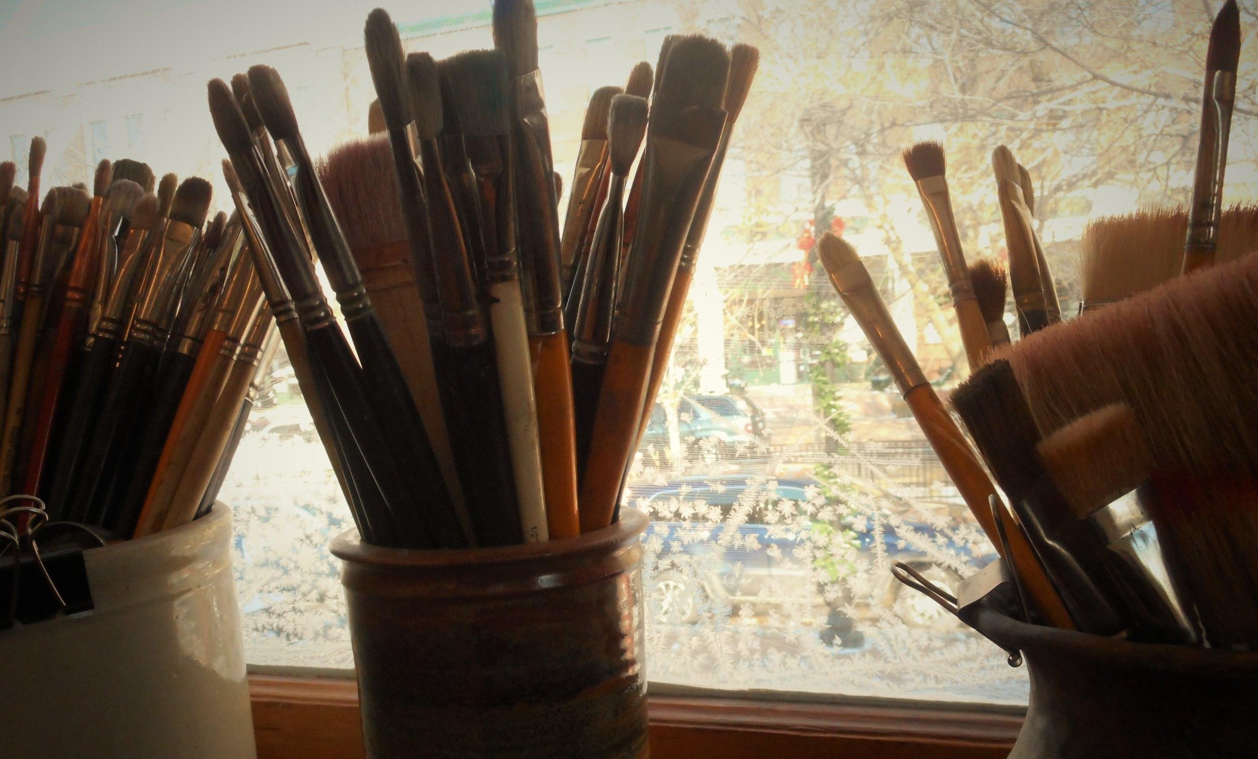 studio-paint-brushes