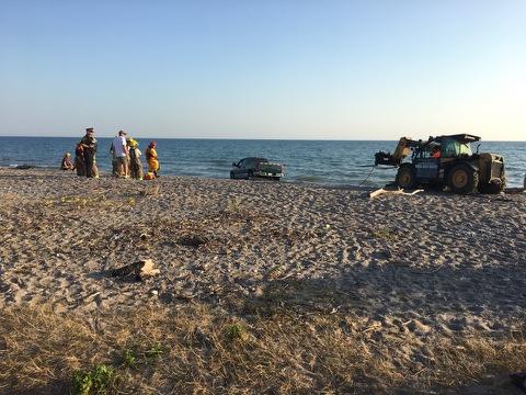 Driver Lands in Lake Ontario (09-23-17).jpg
