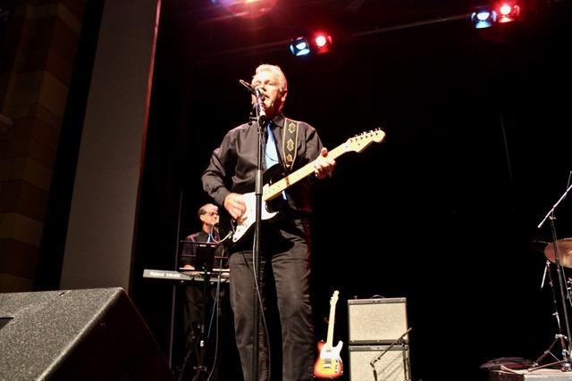 Barry on guitar.jpeg