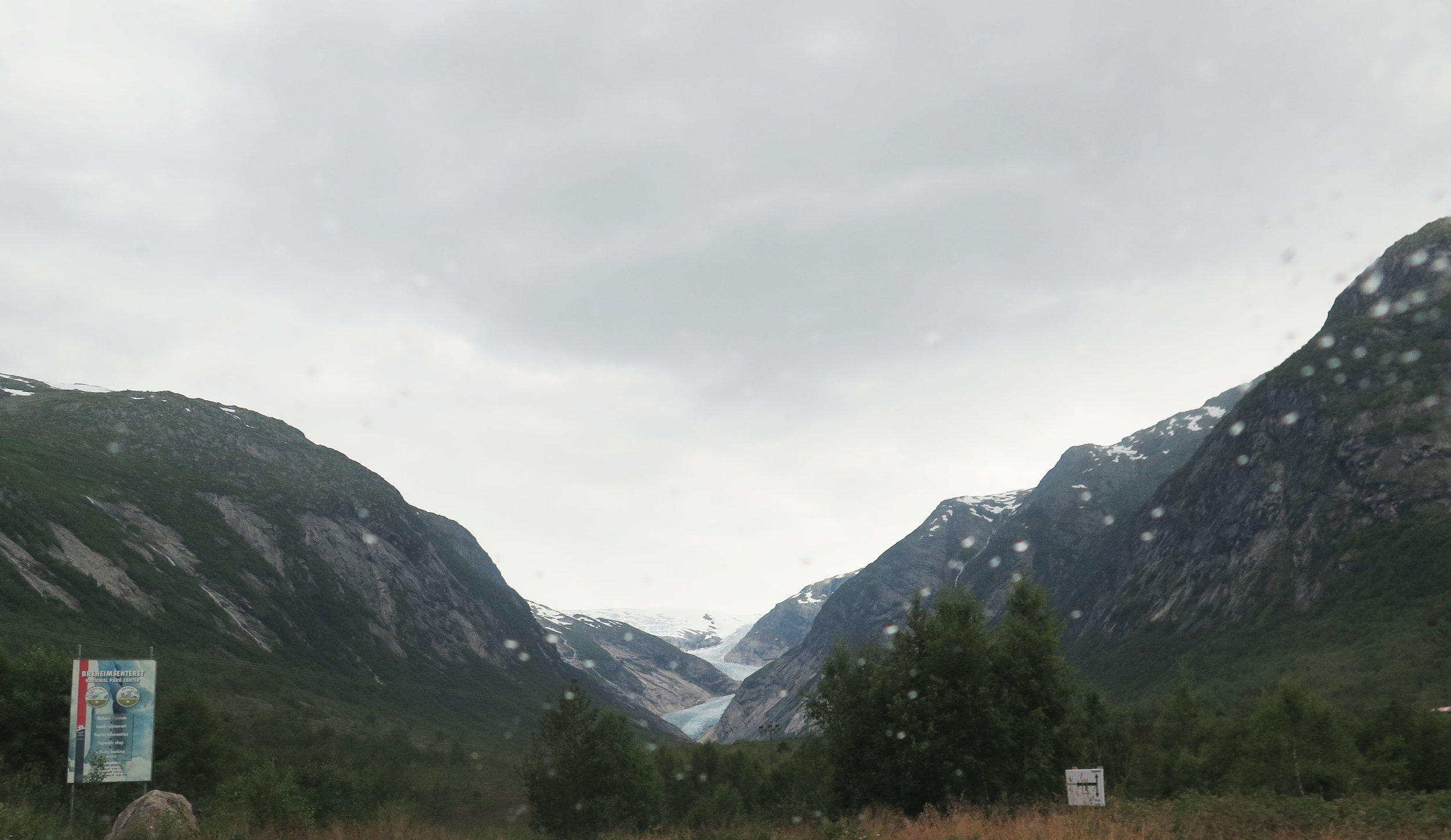 This is the place we first saw the glacier at a distance. Instant stomach drop