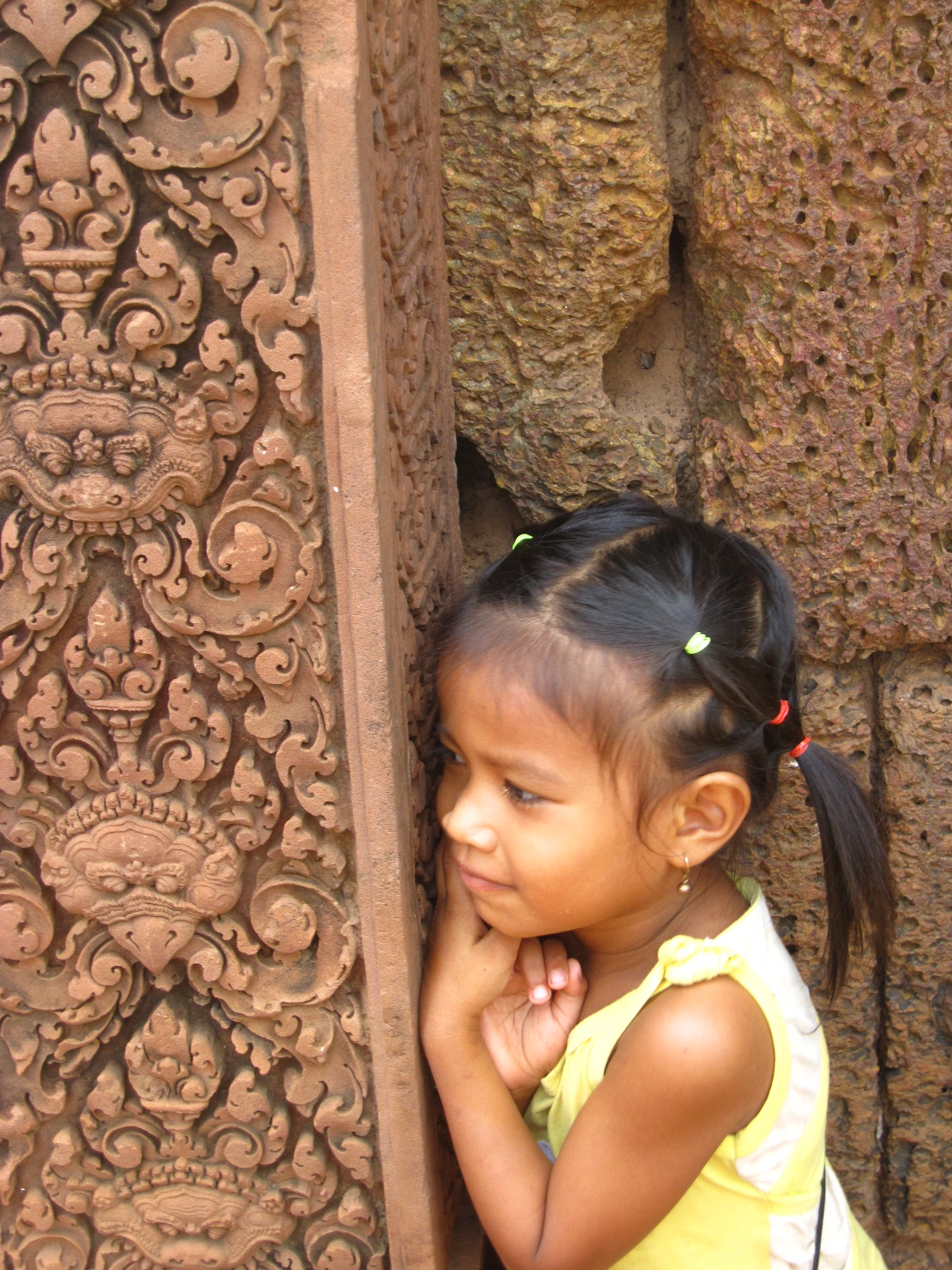 Girl at Banteay Srei