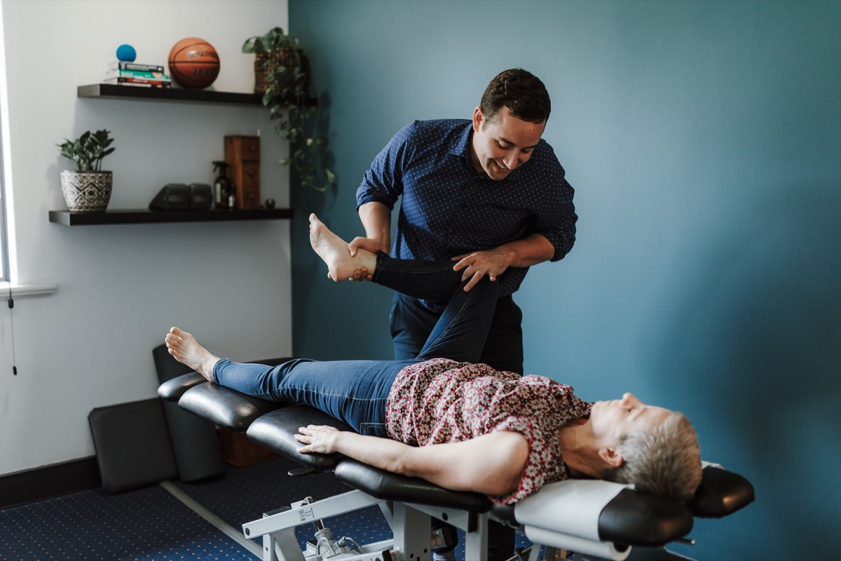Chiropractic consultation in East Perth