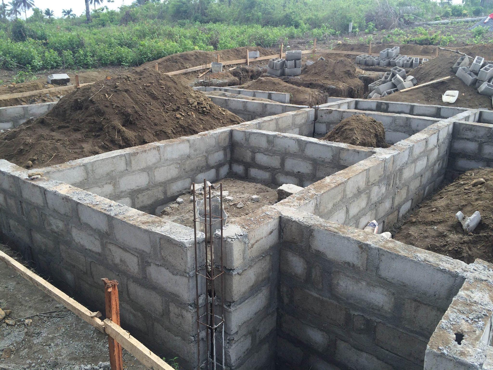 The build commences, using local labour .