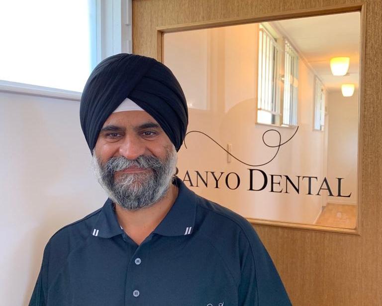 Dr+Gurbaksh+Singh+Banyo+Dental.jpg
