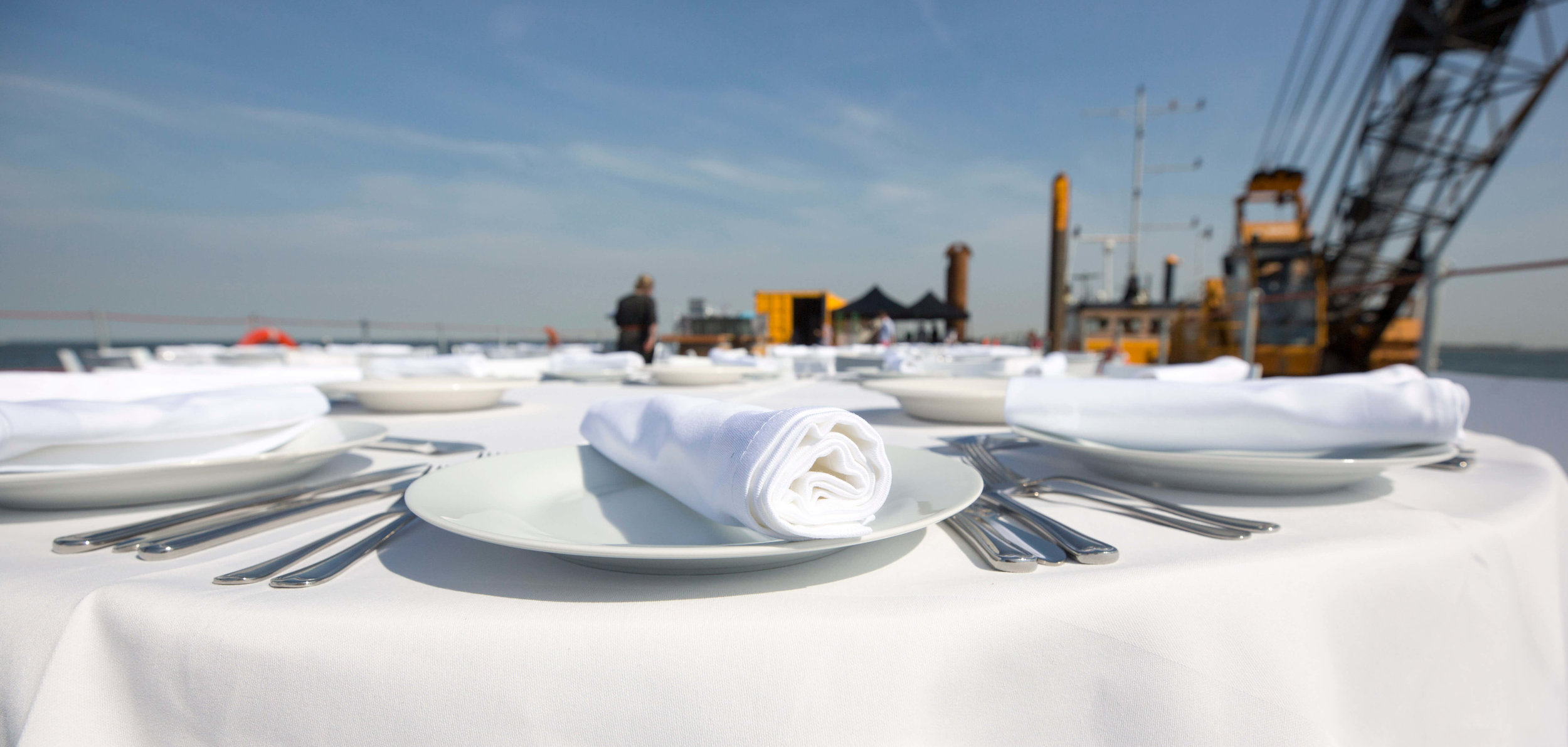 JvdH Katse Veer eten op ponton -38.jpg