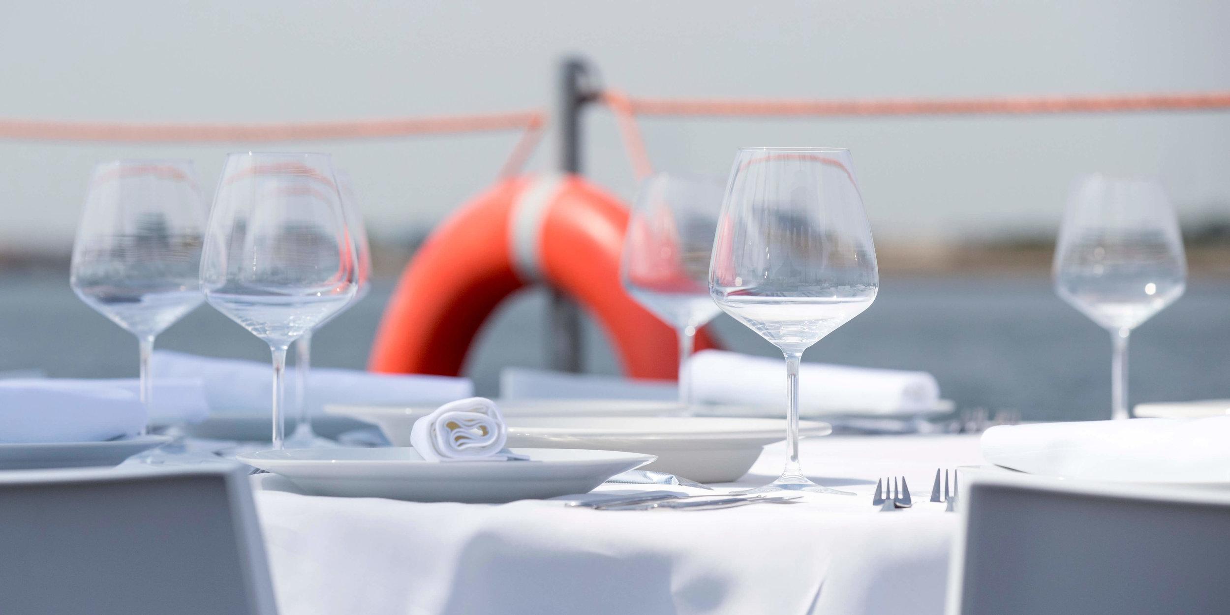 JvdH Katse Veer eten op ponton -45.jpg