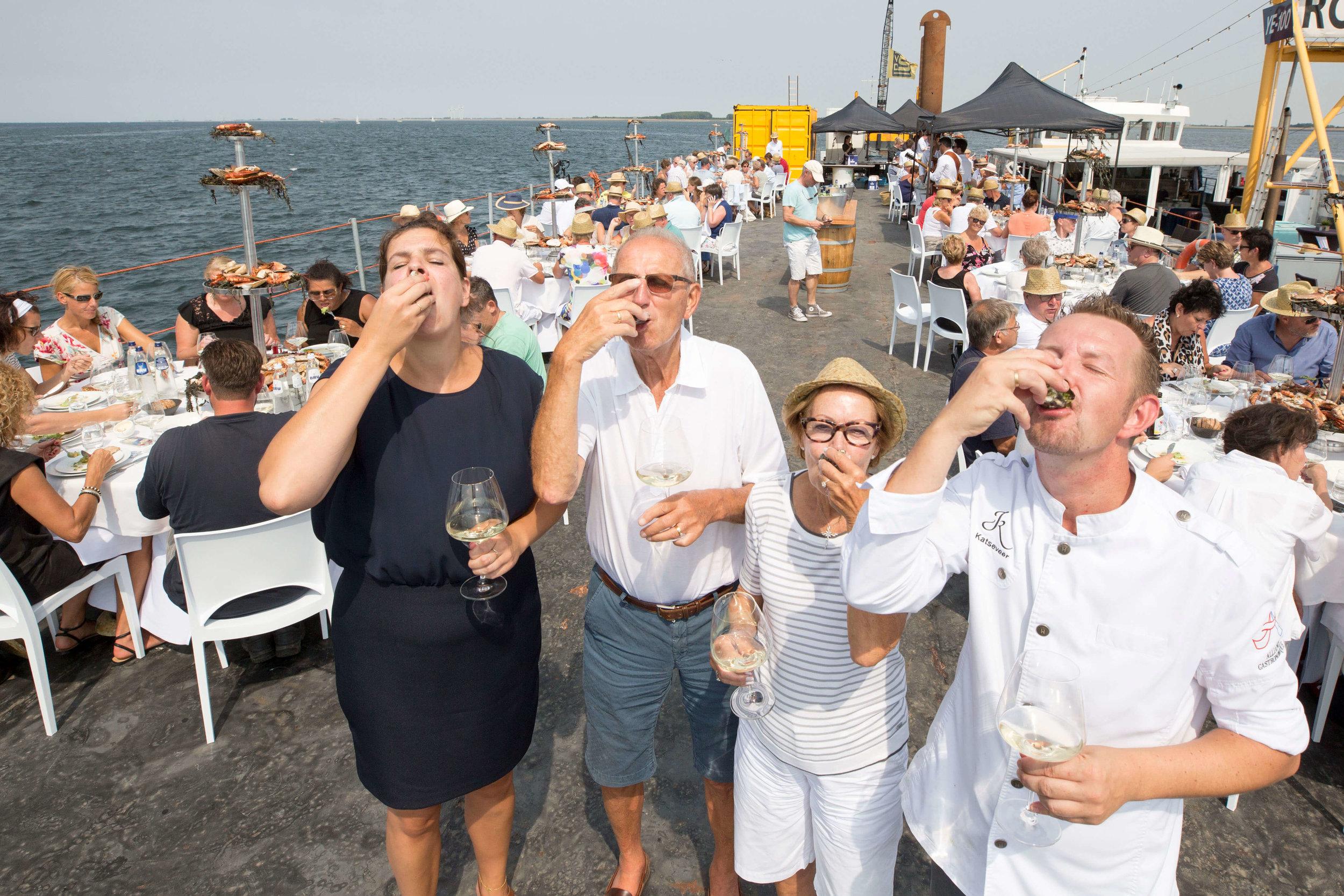 JvdH Katse Veer eten op ponton -82.jpg
