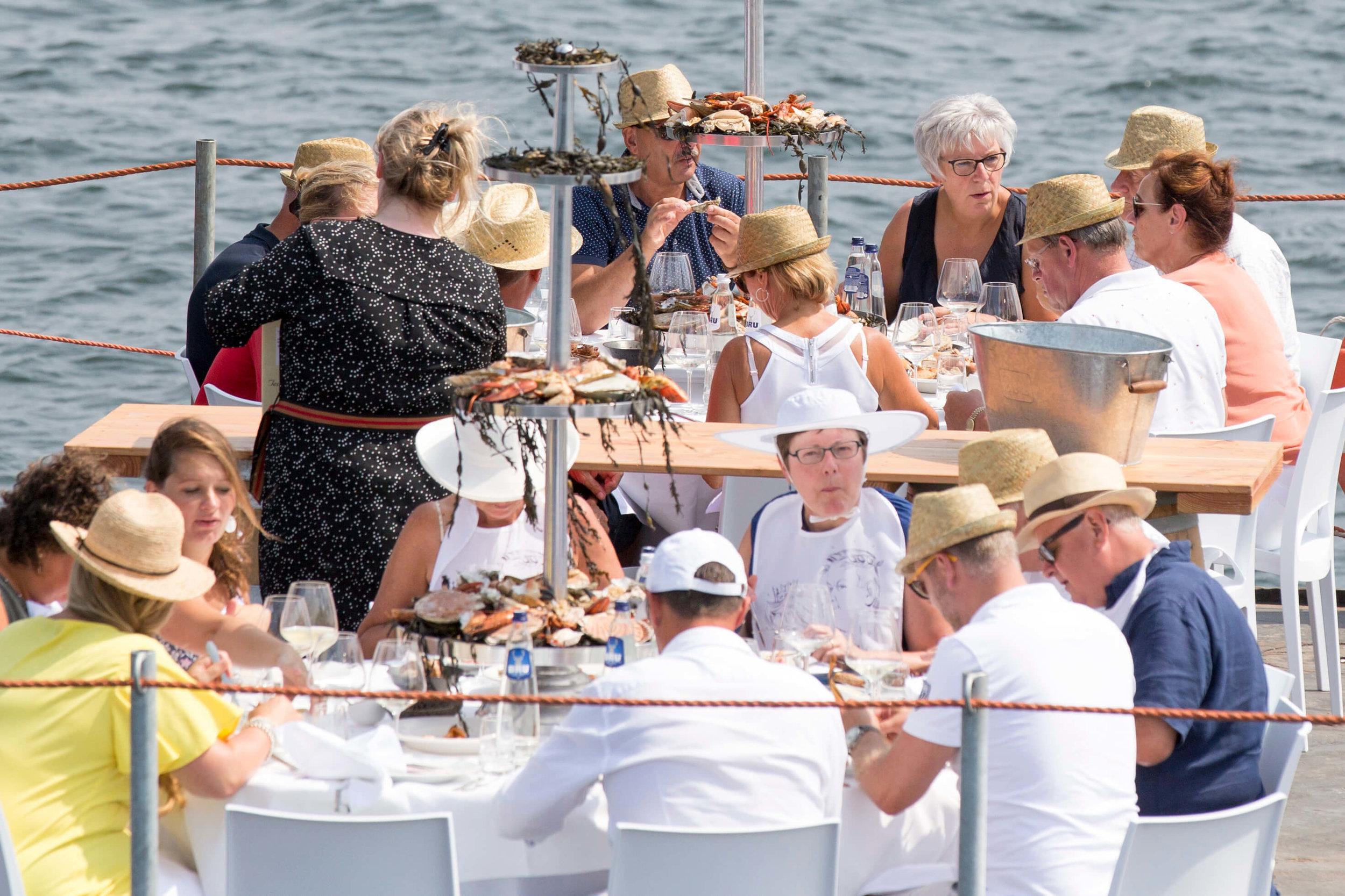 JvdH Katse Veer eten op ponton -93.jpg