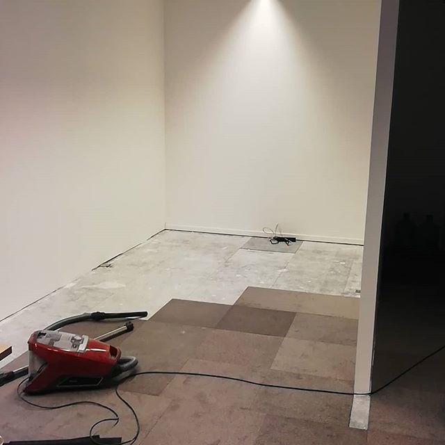 Het begin van het einde 😁  #maatwerk #interieur #afwerking #kantoorinrichting