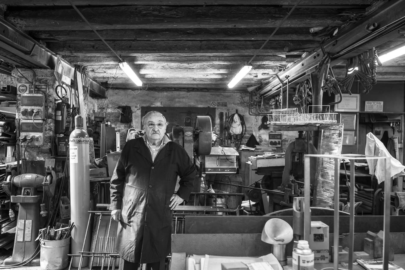 Blacksmith-Paolo-Zanon-in-his-workshop