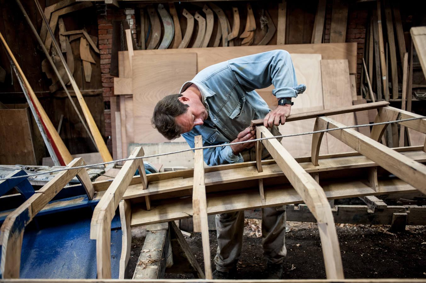 La construction d'une gondole