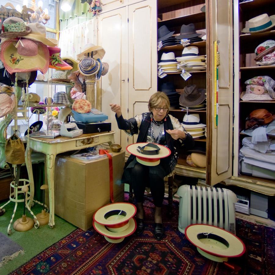 "The workshop (and shop) of a ""Baretèr"""