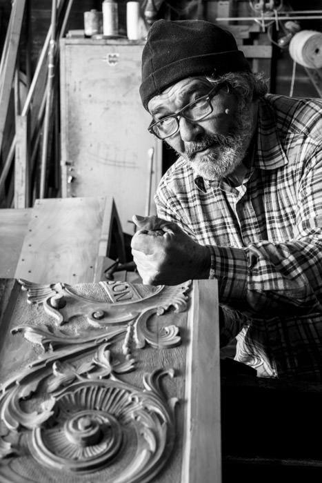The carver Antonio Peroni