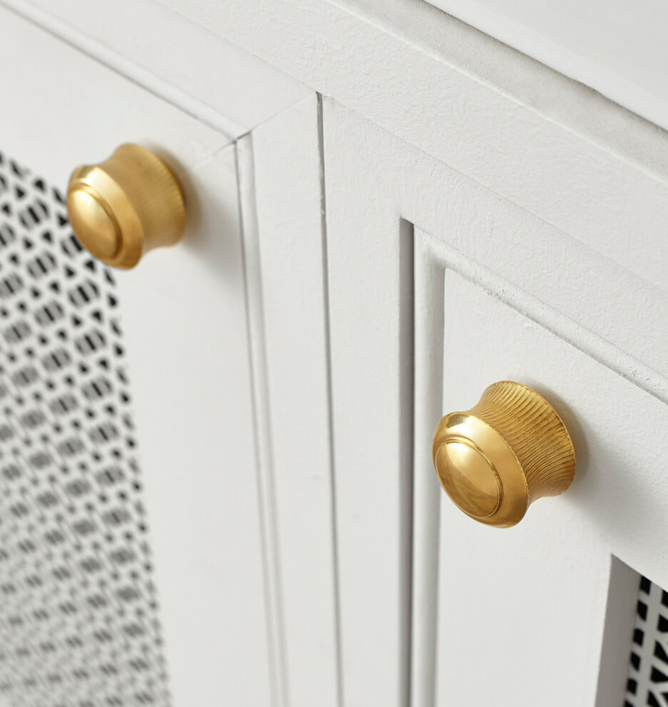 sized_Y2019Q1L1_Cabinet_Hardware_Rigdon_Option_V1_Details_0369.jpg