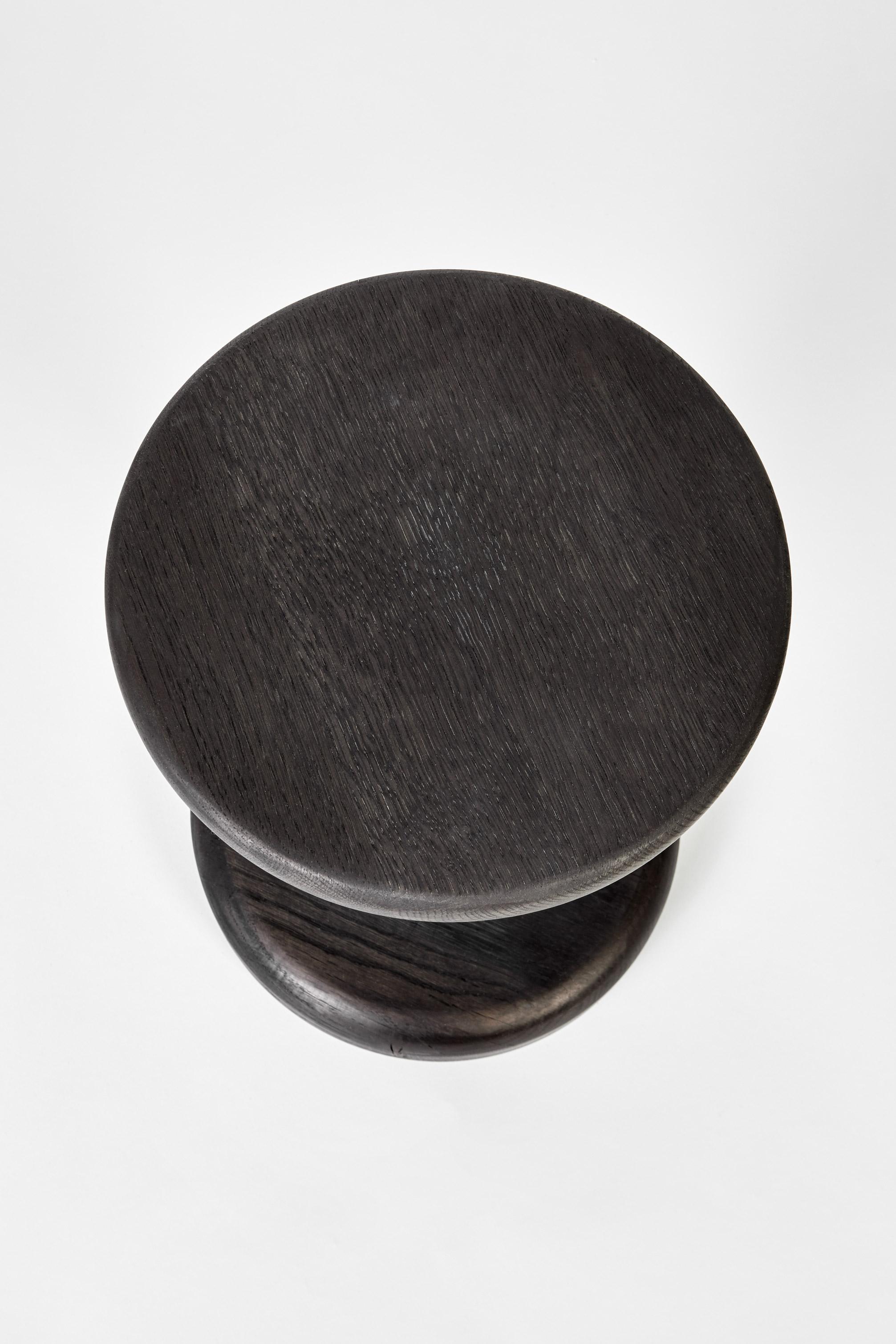 Medium-Pedestal_Black_04.jpg