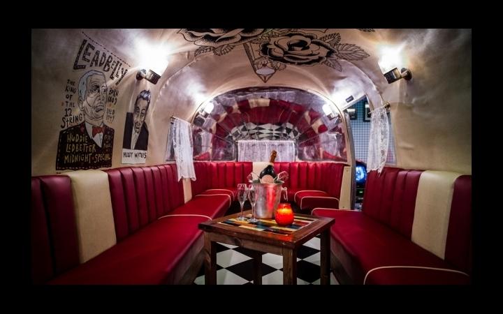 airstream-caravan-private-area-shoreditch-blues-kitchen-bar-restaurant-3-630x368.jpg