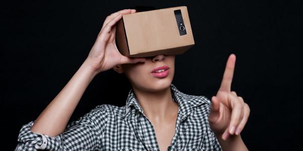 Google-VR-Headset-3-resized.jpg