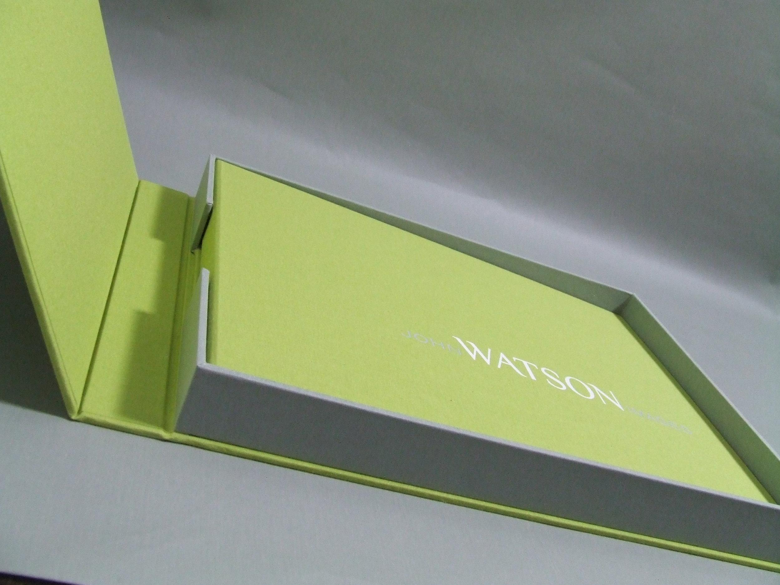 mullenberg-designs-watson-magnetic-flap.jpg
