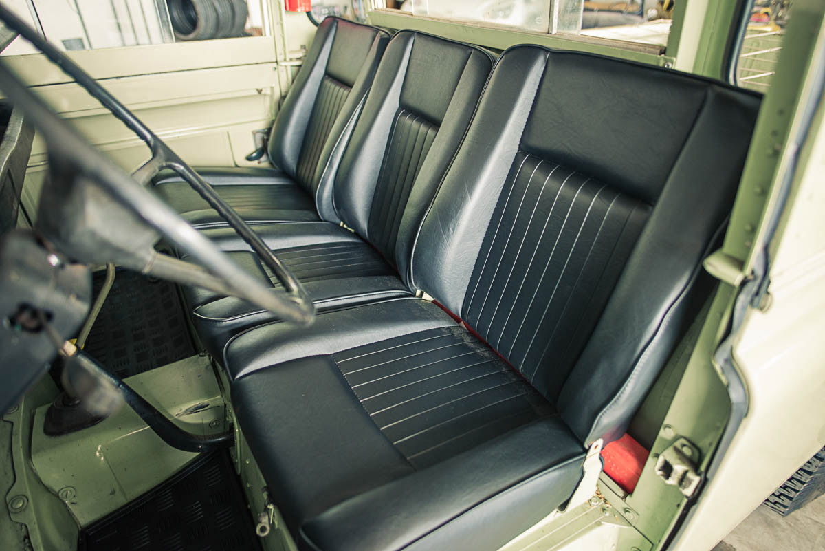 landrover_pickup_interior_1.jpg