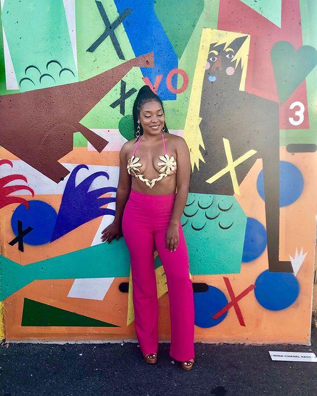 "@derrondune: 🌸""If Ramona were a flower...""🌸 • #derrondune #designer #custom #wirebra #creative #genius #trinidadandtobago"
