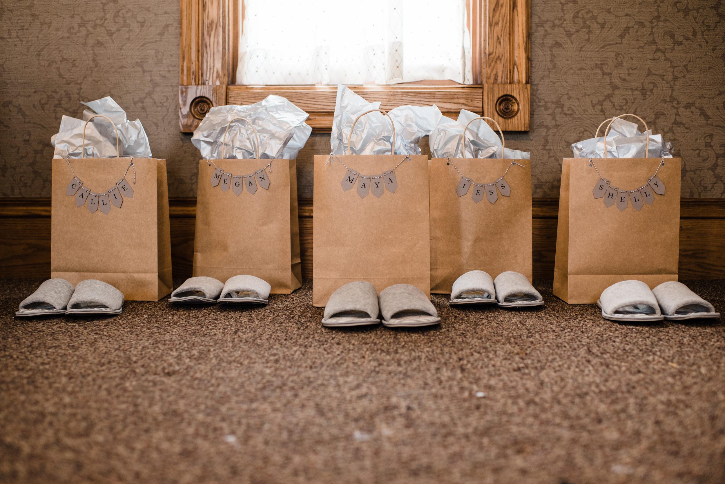 Colorado mountain wedding photographer at Brookeside Gardens details of wedding gifts
