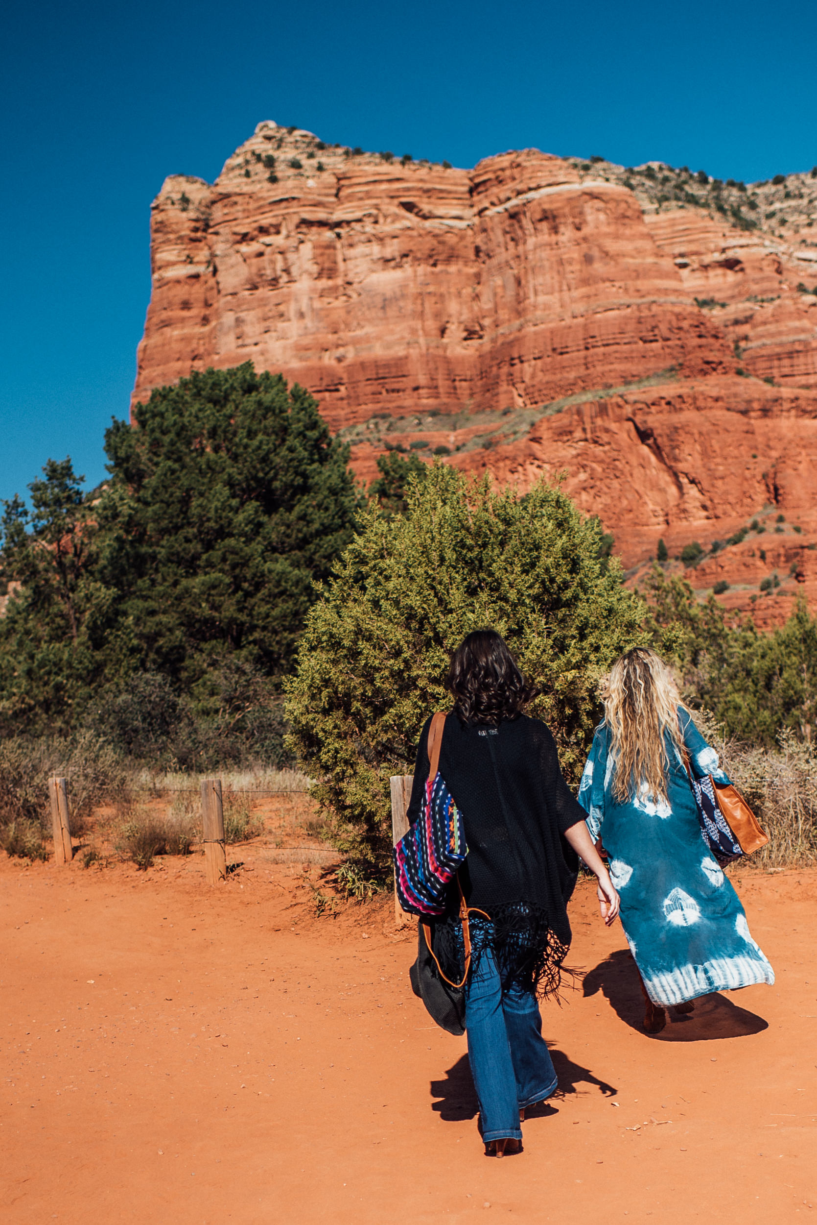 Arizona-Boho-Wedding-Photographer-Handbags-3.jpg
