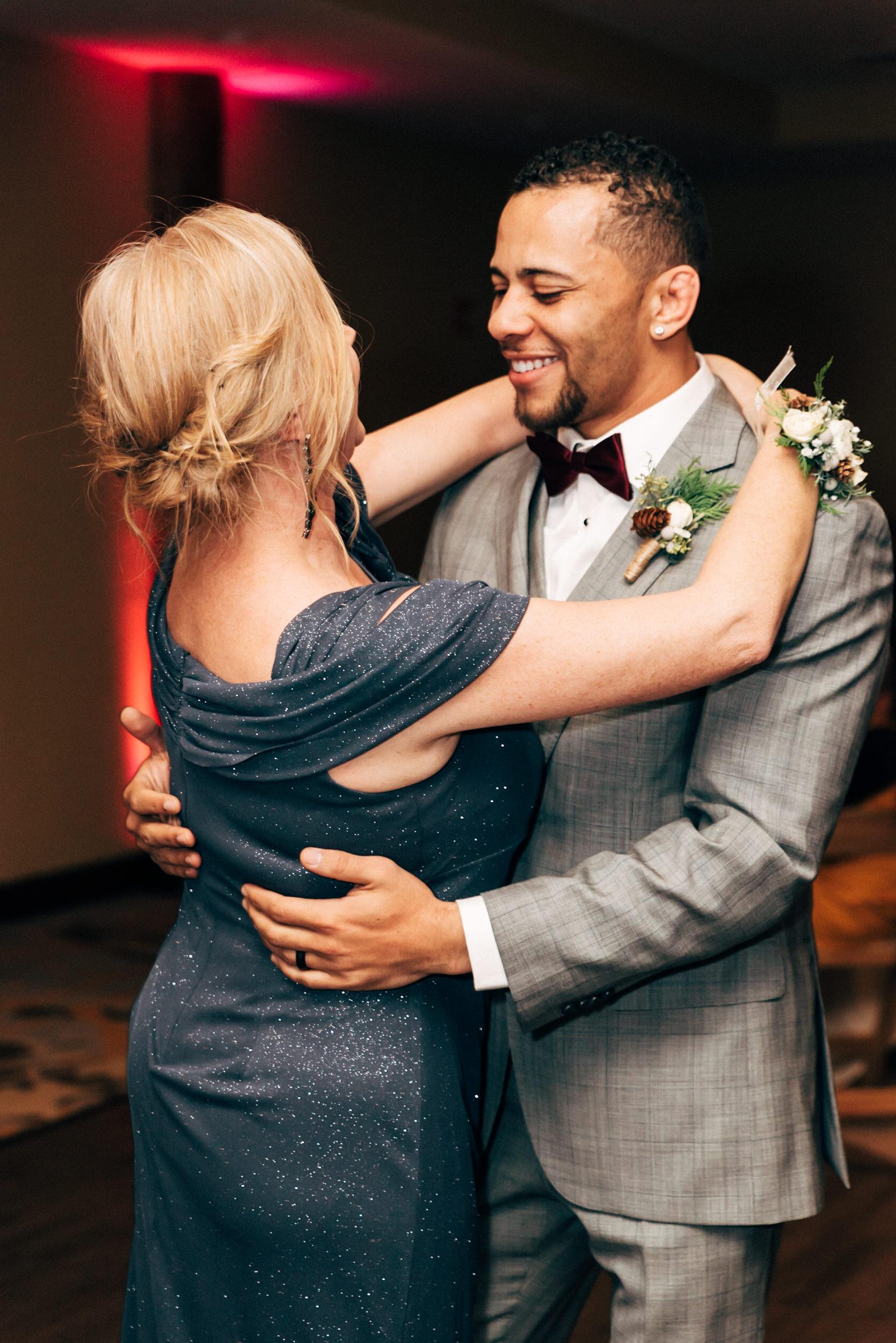 Colorado-Wedding-Photographer-Breckinridge-Mountain-Adventure-Elopement-75.jpg