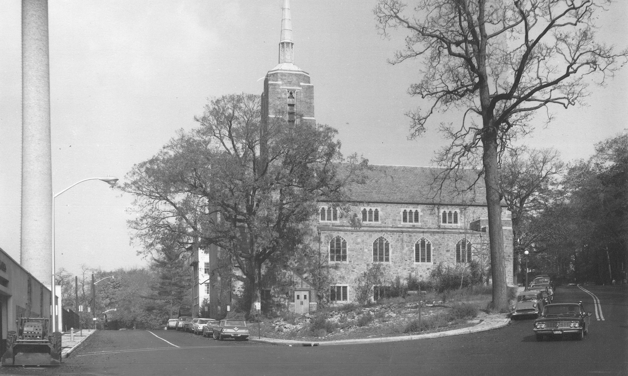 1960 - A semi-circular drive and covered walkway was built to connect the newly obtained parish house to Christ Church. Shown here, the original church building was demolished and is now where the columbarium resides.The new parish hall and offices bestowed Christ Church with a 50,000 sq. ft. campus for programatic activity. It is in this current footprint which Christ Church continues to grow and thrive today.
