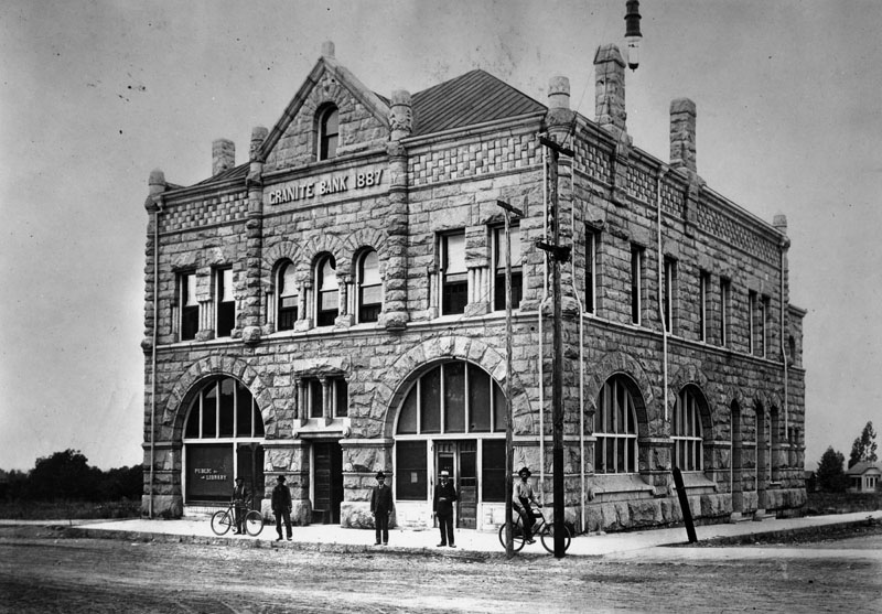 Business-Granite-State-Bank-home-to-the-first-library-which-was-on-the-first-floor.jpg
