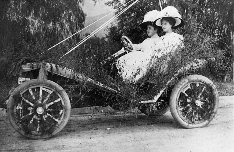 Parade-Monrovia-Celebration-1910.jpg