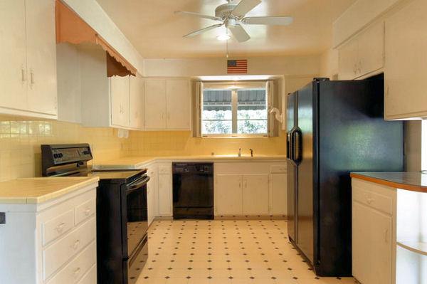 1115_monteverde_kitchen.jpg