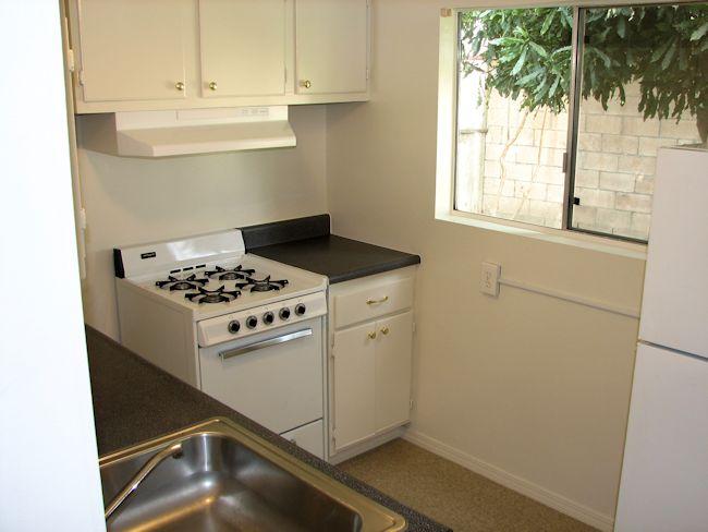3924_kitchen.jpg