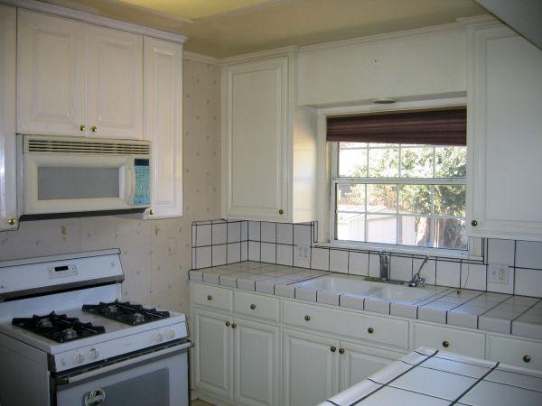 rental_615_kitchen.jpg