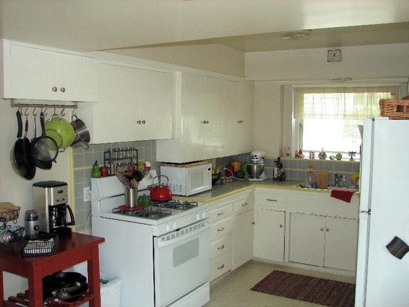 152_acacia_kitchen.jpg