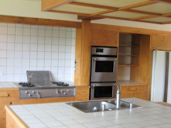 rental_1042_kitchen.jpg