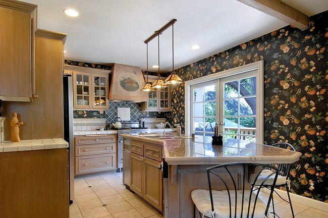 2557_highland_kitchen2.jpg