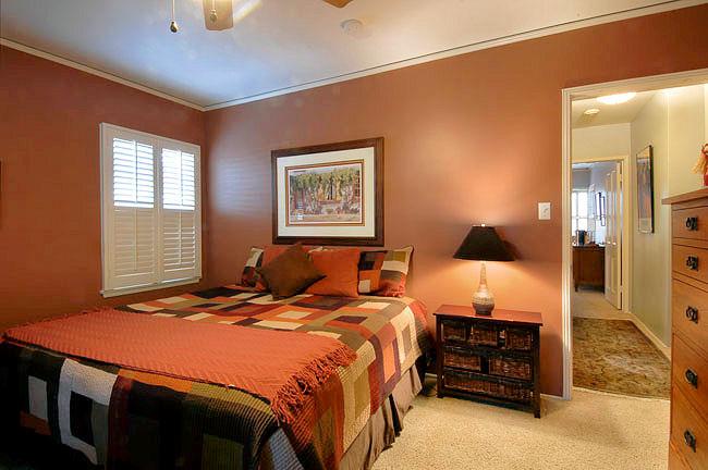 1727grandoaks_bedroom.jpg