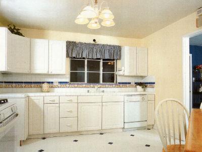 3154delvina_kitchen.jpg