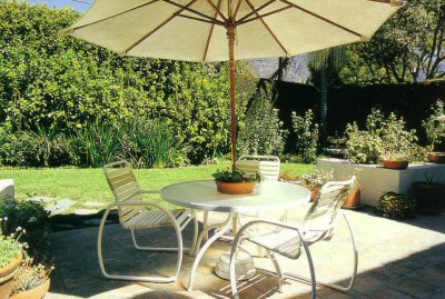 1975_Galbreth_patio.jpg